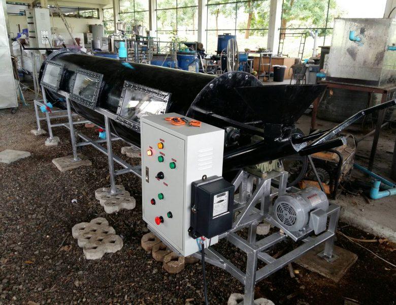 เทคนิคการไล่แบบสุญญากาศ เพื่อการเพิ่มศักยภาพการผลิตก๊าซชีวภาพ ในฟาร์มไก่เนื้อ